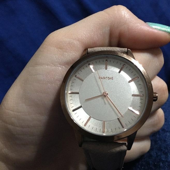 clock to measure romantic love